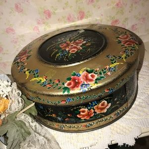 Vintage Shabby Chic Round Black Metal Tin
